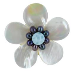 Broche Fleur en Nacre Ivoire Perles Keshi et Larimar