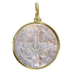 Pendentif Plaqué Or et Nacre Médaille Ronde Croix de Saint Benoit